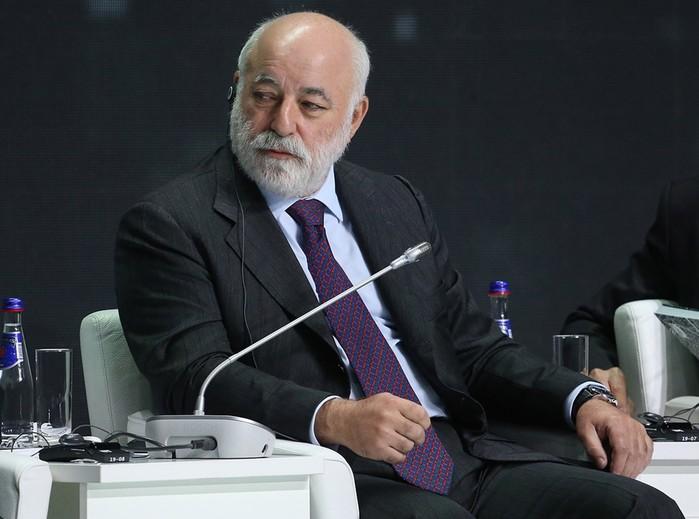 Кто в этом году вошел в десятку самых богатых россиян по версии Forbes