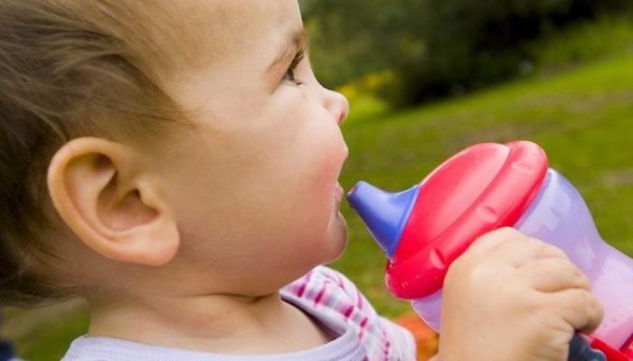 Плесень в непроливайке: неожиданная причина детских болячек