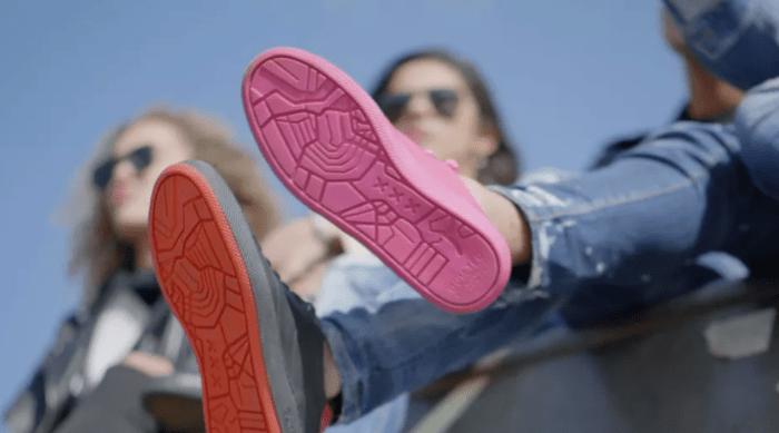 Кроссовки из жевательной резинки выпустила голландская компания Gumdrop