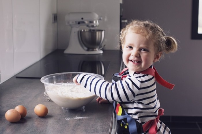 Какие блюда можно приготовить с детьми разных возрастов: 6 легких рецептов для готовки