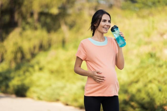 Чем полезны прогулки при беременности? Устроим променад