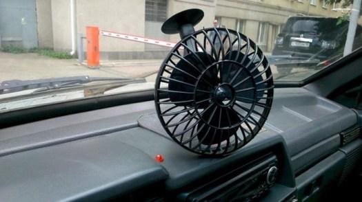 Глупые гаджеты: самые бесполезные устройства для автомобилей, на которые мы тратим деньги