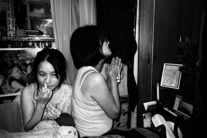 Японец показал, как дружно живет в однокомнатной квартире его большая семья