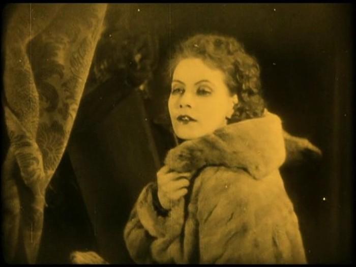 Как с годами менялся образ проституток в кино: от «Красотки» до «Интердевочки»