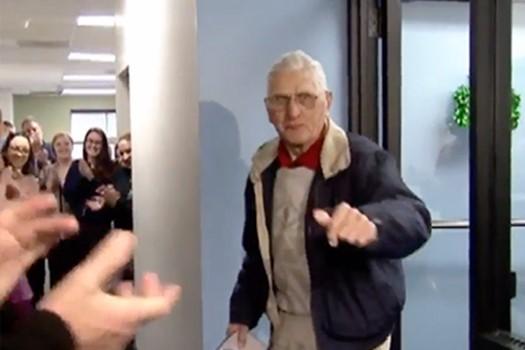 Скучающему на пенсии 100 летнему американцу дали поработать в день рождения