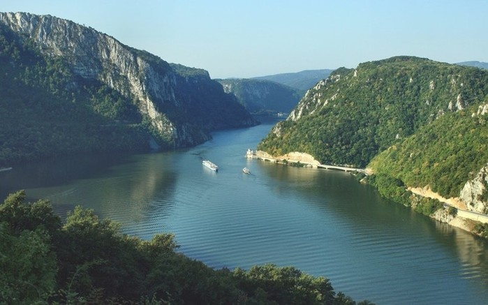 Дунай   Дунава   Донау: европейская Река Единства