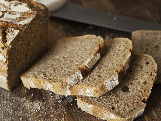 Эксперты определили, какой хлеб полезнее— белый или черный