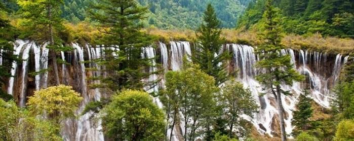 Альпийские озера и водопады долины Цзючжайгоу