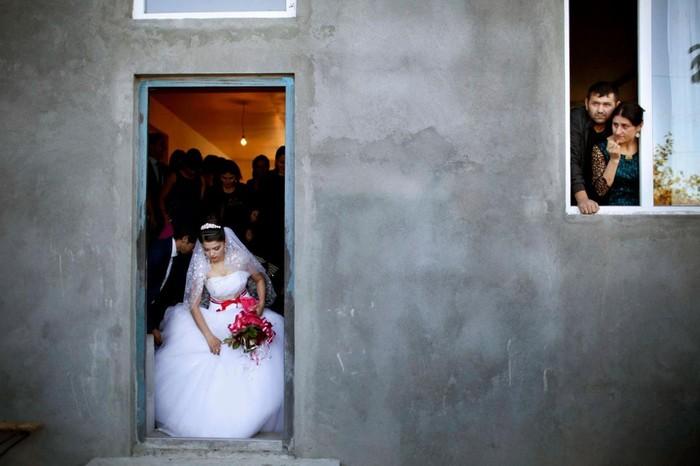 Как живут несовершеннолетние невесты в Грузии