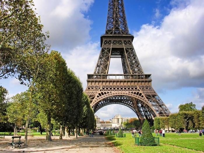 Самые интересные факты об Эйфелевой башне