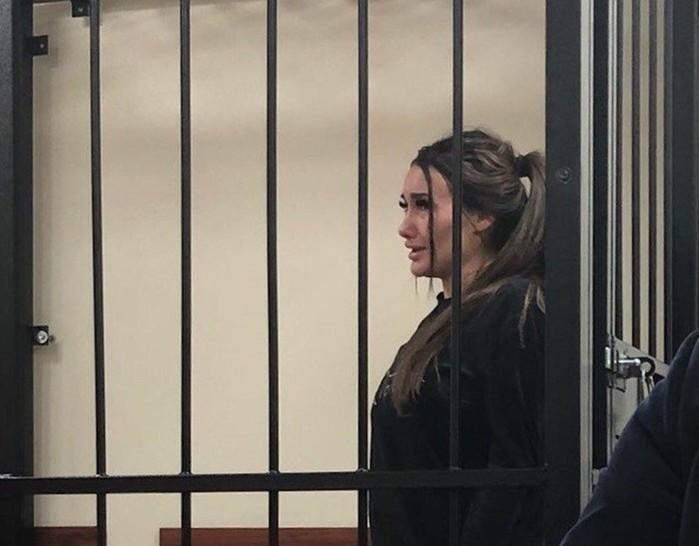 Приключения модели Киры Майер в тюрьме
