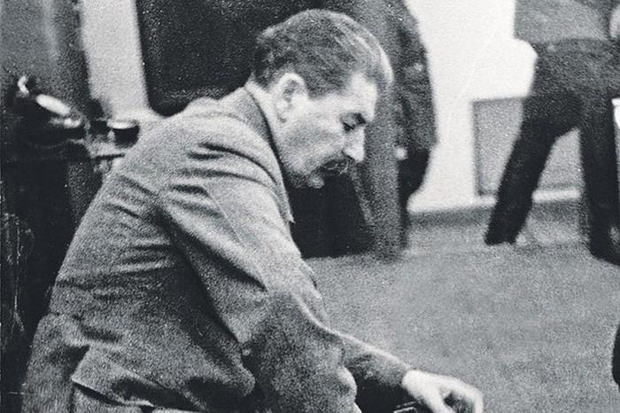 Сколько раз Сталин просил снять его с должности?