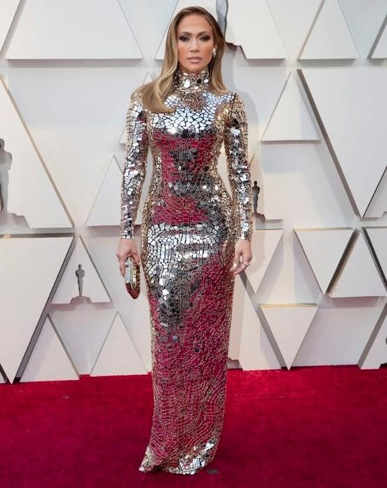 Самые яркие наряды актрис на красной дорожке «Оскара»