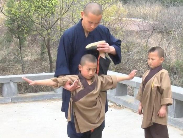 Жесткая тренировка будущих мастеров кунг фу