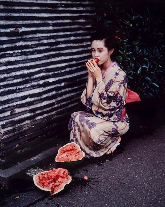 Сексуальные провокации Нобуёси Араки