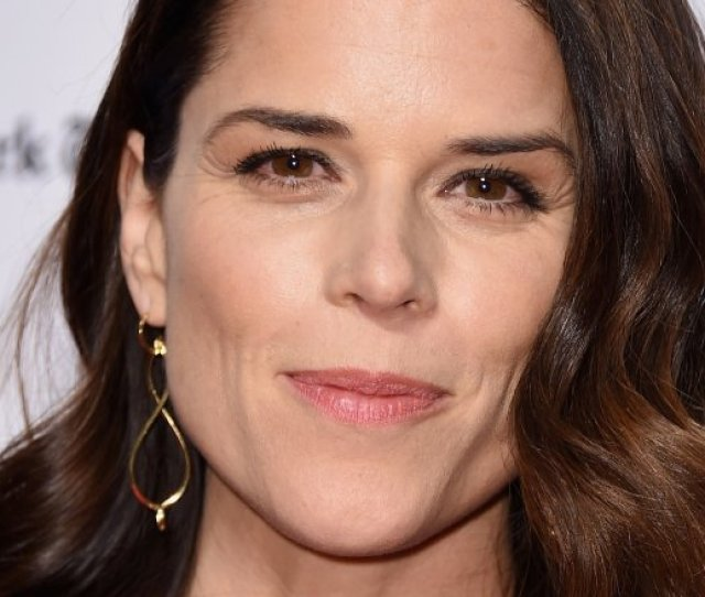 Neve Campbell Joins Dwayne Johnsons Skyscraper