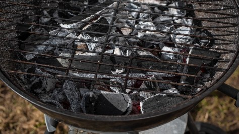 You Can Use This Common Kitchen Item To Clean Your Grill