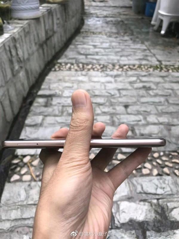 华为Mate 10国行版开箱图曝光:前置指纹 屏占比惊人