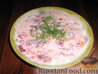 Фото к рецепту: Холодный суп со свеклой, на кефире