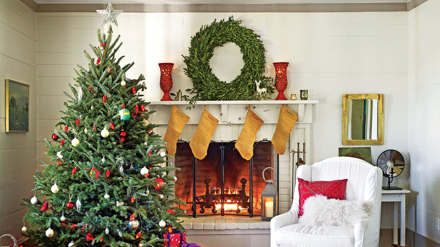 Christmas Mantel Decorating Ideas   Southern Living Simple Christmas Mantel
