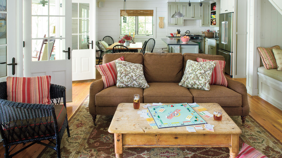 Lake House Decorating Ideas   Southern Living Make It a Hybrid