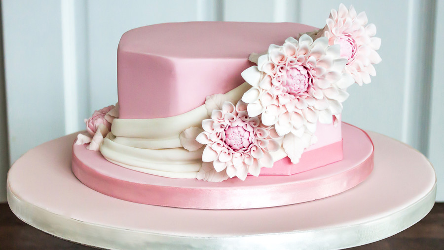 Delightful Derby Hat Cakes Southern Living