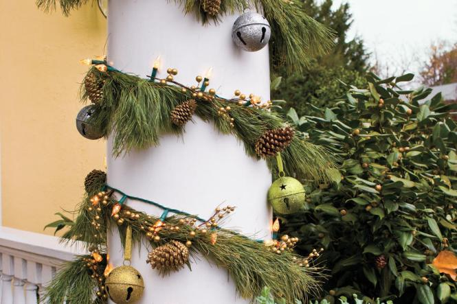 Transform An Ordinary String Of Lights Into A Lighted Garland Christmas Decorations Crafts