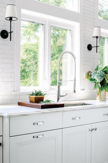 50 Small Space Decorating Tricks   Southern Living Keep Countertop Clutter to a Minimum