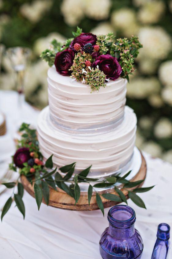 Gorgeous Fall Wedding Cakes We re Drooling Over   Southern Living Jewel Tones and Texture