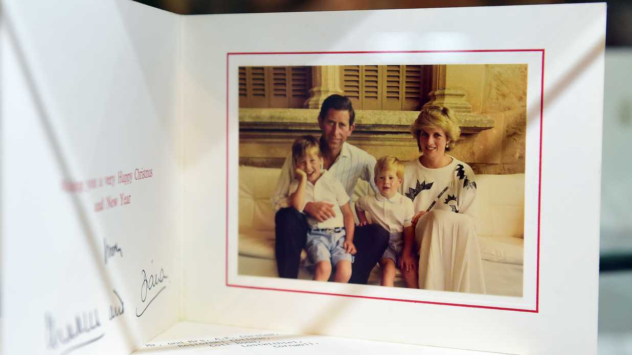 Yes The Royal Family Sends Out Christmas Cards Southern