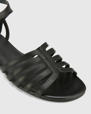female Strappy sandals