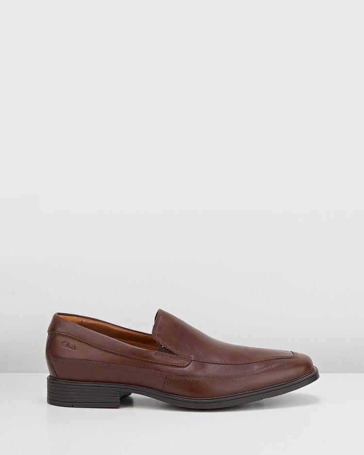 Clarks Tilden Free Dress Shoes Brown Leather