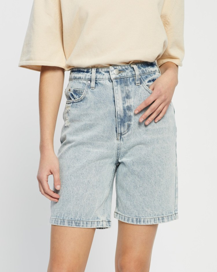Third Form On The Straight And Narrow Shorts Denim Washed Blue