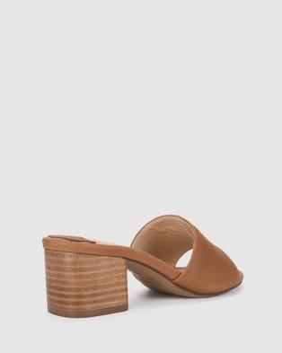 Siren Mid-low heels