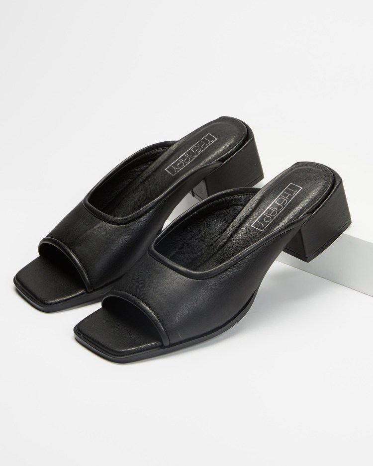 Therapy Octavia Mid-low heels Black