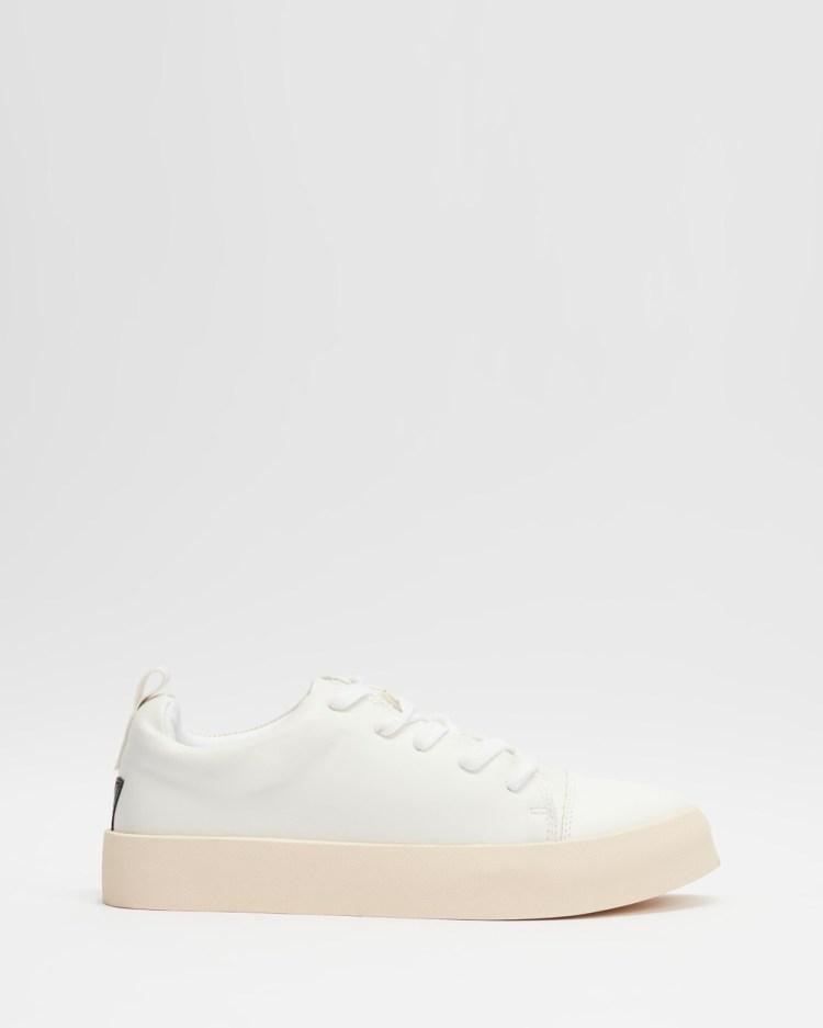 MATT & NAT Marci Sneakers White Black Trim