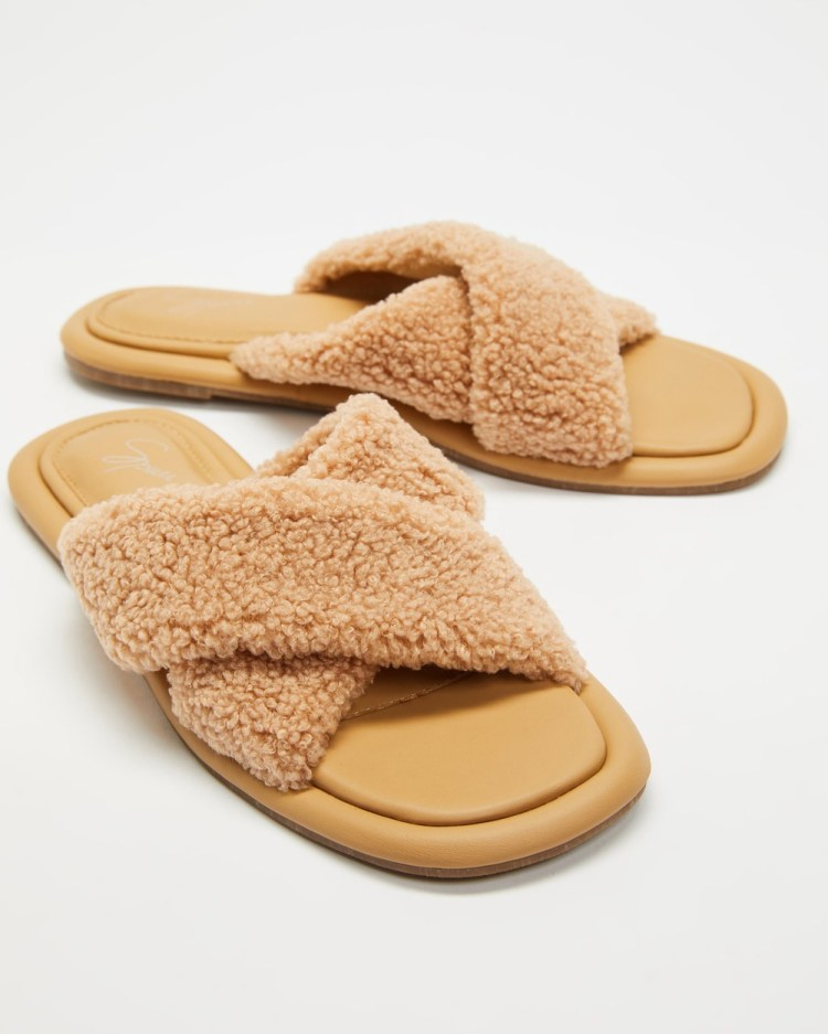 SPURR Sherry Slippers & Accessories Brown Fluff