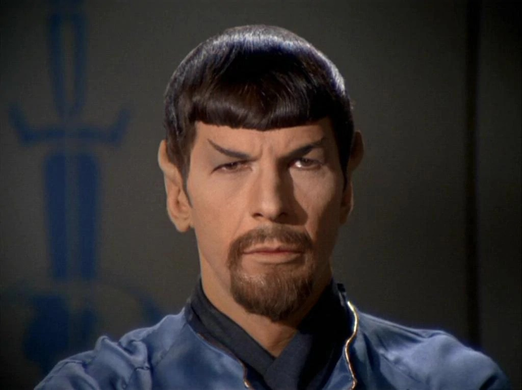 https://i2.wp.com/img1.wikia.nocookie.net/__cb20090220220251/memoryalpha/en/images/a/a7/Spock_%28mirror%29.jpg