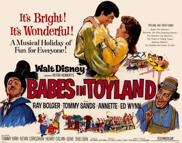 My top 10 Christmas movies: Small Town Girl Blog