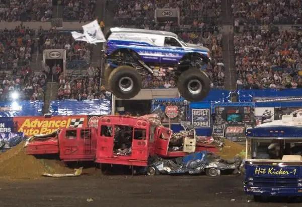 monstertrucks06 - Moster Trucks