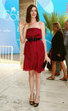 Anne Hathaway Pictures