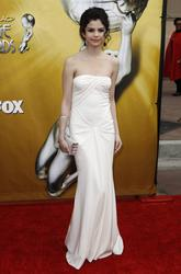 Selena Gomez - 41st NAACP Image Awards in Los Angeles - Hot Celebs Home