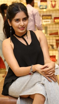 Madhumitha Krishna nude ass show without underwear in Yuva Store Launch