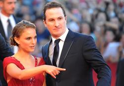 Natalie Portman arrives for the screening of The black swan opening the 67th Venice Film Festival - Hot Celebs Home