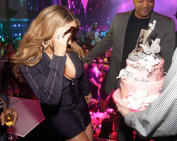 Mariah Carey shows great cleavage as she hosts official end of tour party at Haze Nightclub in Las Vegas - HOt Celebs Home