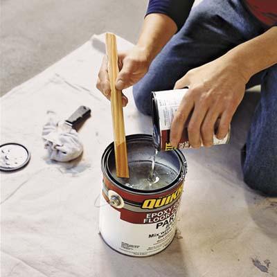 Mix up the epoxy paint