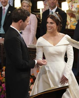 Royal Wedding Off 5