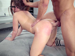 Maddy Oreilly Is Enjoying Anal Sex While Her Hair Is Pulled