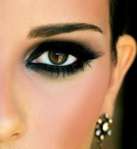 Risultati immagini per occhi matita nera