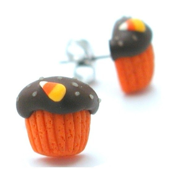 Halloween cupcake stud earrings - inediblejewelry